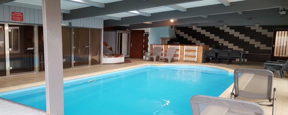 piscine intérieur chauffée 29 ° toute l'année